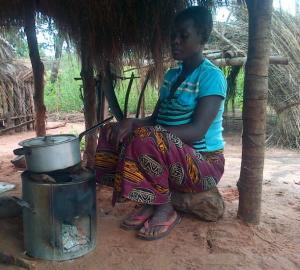Dambwa Cookstove in Use